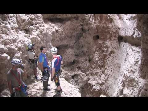 Oman Caving Adventure - Oman Travel Guide