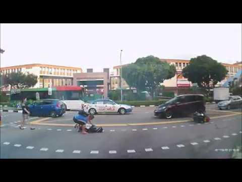 Accident at junction of Tampines Ave 2 and St 31