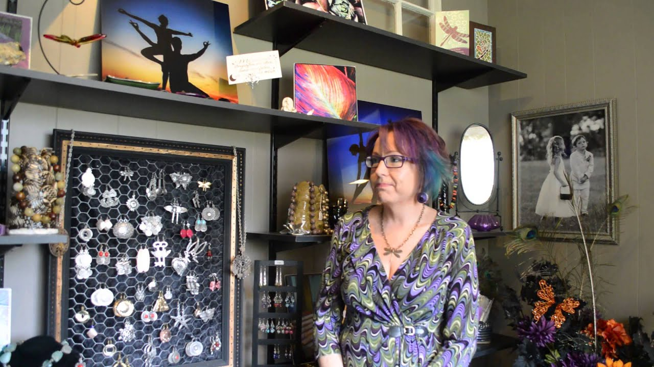 Discover main street clarence dragonfly studio salon for 201 twiggs studio salon