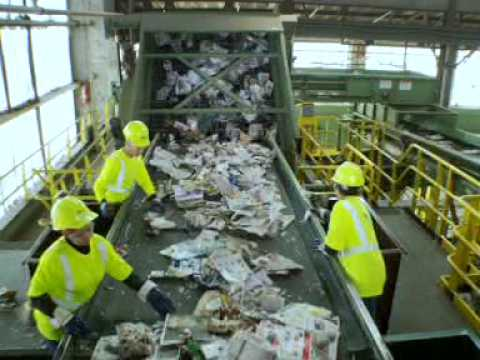 Watch on recycling sorting facility