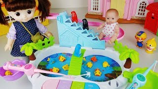 Baby doll car and fishing fish toys house play story - ToyMong TV 토이몽