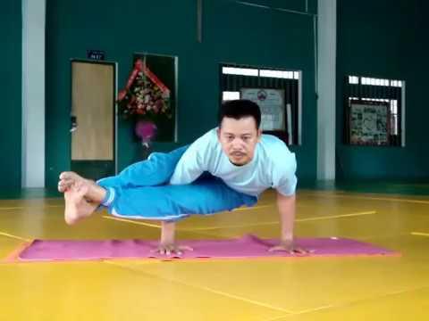 Tư thế con quạ-   Yoga Kakasana.flv