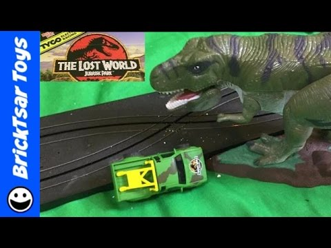 TYCO Jurassic Park Lost World Electric Slot Car set T-Rex Dinosaur Attack