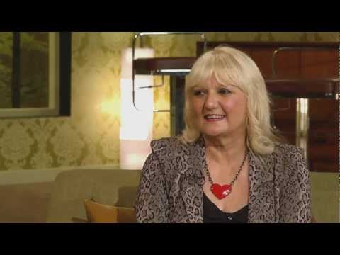 Hwb — Cyfweliad Heather Jones Interview (23/09/12)