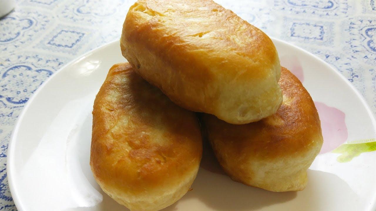 Пышные,мягенькие жареные пирожки с капустой. Их есть- одно наслаждение !