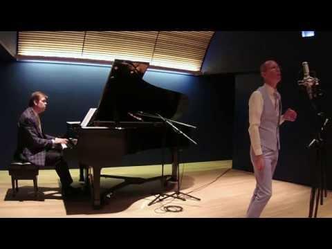 "David Vernon vocal, Alex Leonard piano, ""Mad About The Boy"""