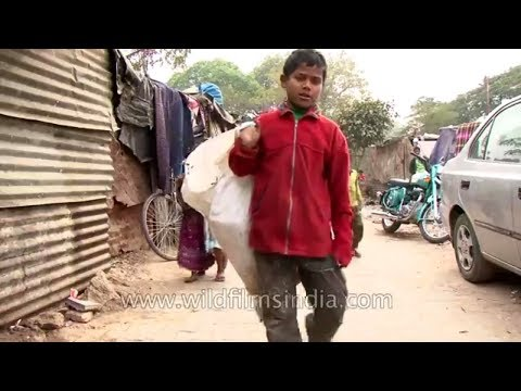 Children living in rag picker's neighborhood: Delhi