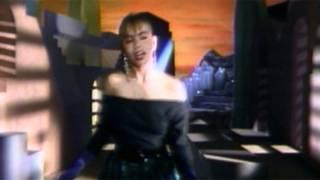 Sasha Sokol / No Me Extraña Nada (Video Oficial) HD