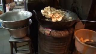 Indian Street Food: Potato Chips