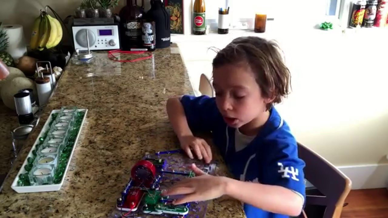 Snap Circuits Jr 100 Electronic Circuit Kit Space War Alarm Combo
