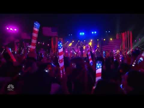 Kelly Clarkson - Heat (Macy's 4th Of July)