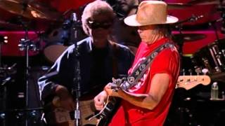 Neil Young - Everybody Knows This Is Nowhere (Live at Farm Aid 2000)