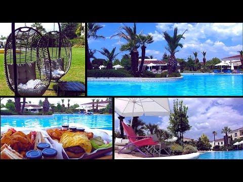 Hyatt Regency Thessaloniki Oceana Pool. Θεσσαλονίκη, η πισίνα του Hyatt Regency.
