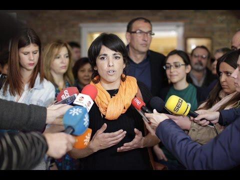 Carlos Bardem (actor) y Teresa Rodríguez (Podemos Andalucía) entrevistados en La Cafetera