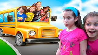 Chiki-Piki Kids And Papa Play The Wheels on The Bus - Kids Song