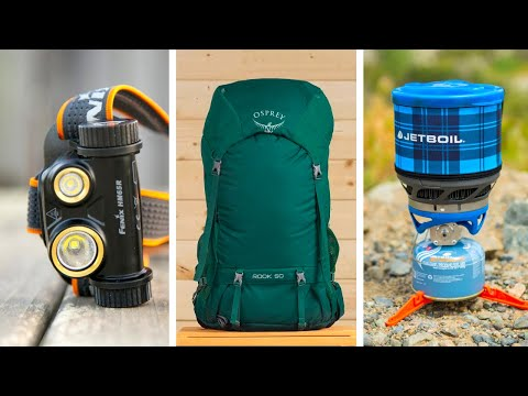 TOP 10 HIKING GEAR ESSENTIALS YOU MUST HAVE