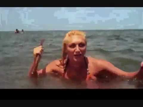 2 headed shark attack l 39 attaque du requin deux t tes 2012 hairdoctor youtube - Photo jambe femme ...