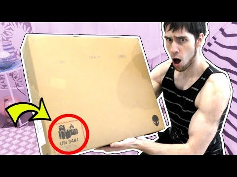 WHAT IS IN THIS SURPRISE BOX?!?