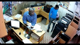 Nairobi notorious thief caught on camera stealing a phone at a cyber