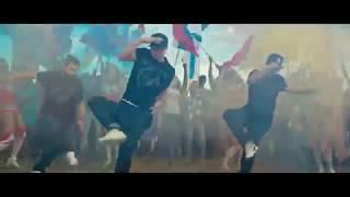 Рози Агарвал в клипе Аниты Цой