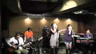 2013.10.13 に荻窪ルースターノースサイドで行われたI*SA*NAのLIVE映像...