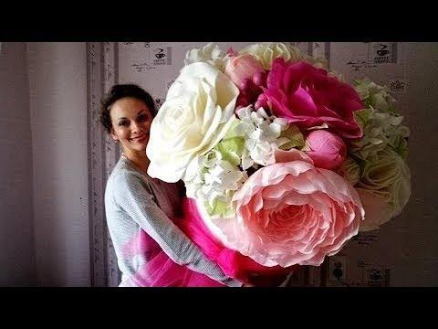 Giant flowers in the hat box. Hydrangeas