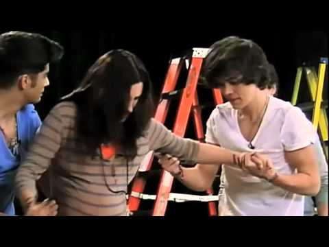 Louis and Zayn prank Harry Niall and Liam on Nickelodeon!