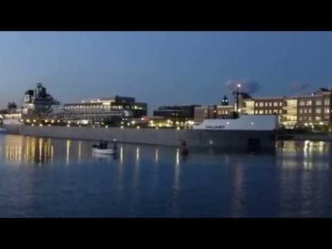 2016-07-01 - Self-Unloading Bulk Carrier Calumet in Bay City, Michigan