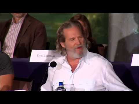 Download Youtube: Jeff Bridges shares beautiful Robin Williams memory at The Giver Press Conference