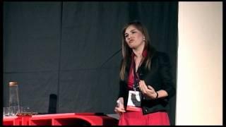 """TEDxEroilor - Silvia Sirb - De la """"Nu prea cred ca pot"""" la """"Stiu ca pot"""""""