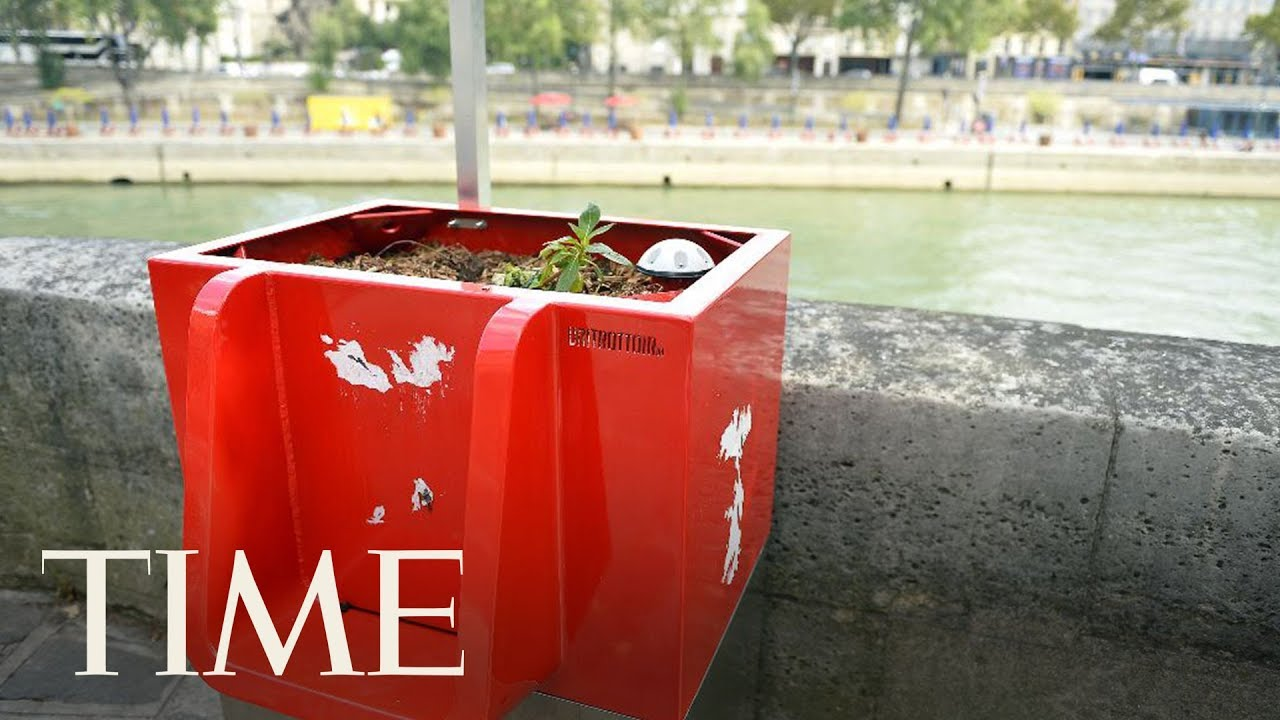 Not Everyone Is Thrilled About Paris's New Eco-Friendly Open-Air Urinals | TIME