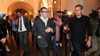 Bíróság előtt a zaklatással vádolt Jean-Claude Arnault-t
