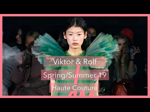 My 60 Second ⏱ Fashion Review of the Viktor and Rolf #ss19 haute couture show