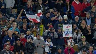 Fans applaud Ortiz at Yankee Stadium