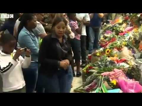 BBC News   Nelson Mandela  Wall of tributes at Johannesburg home