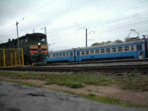 Киров-Луза под 2ТЭ10М-0356 отправляется из Кирова
