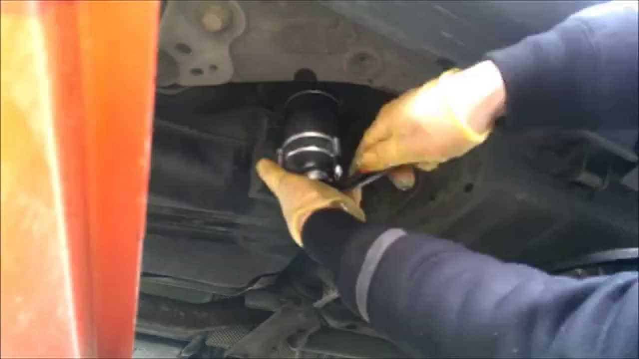 how to change replacement fuel diesel filter volvo s60 2 4