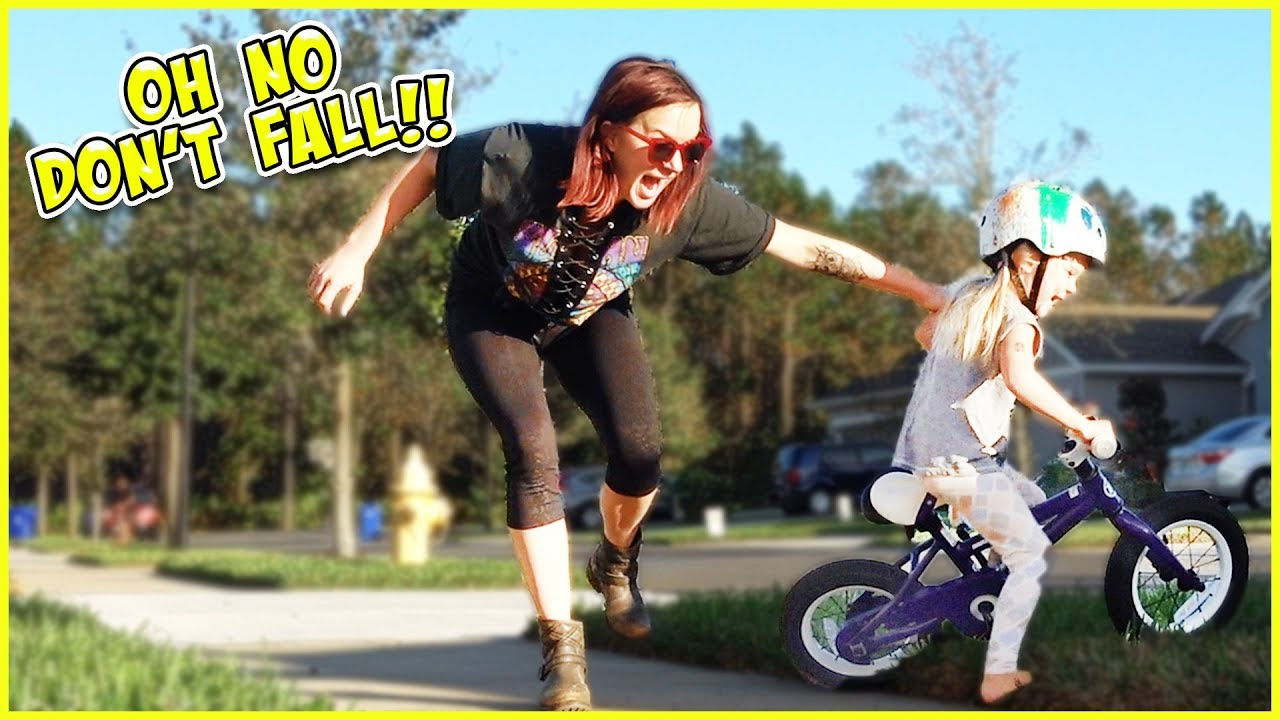 4 YEAR OLD RIDES BIKE FOR THE FIRST TIME! - YouTube