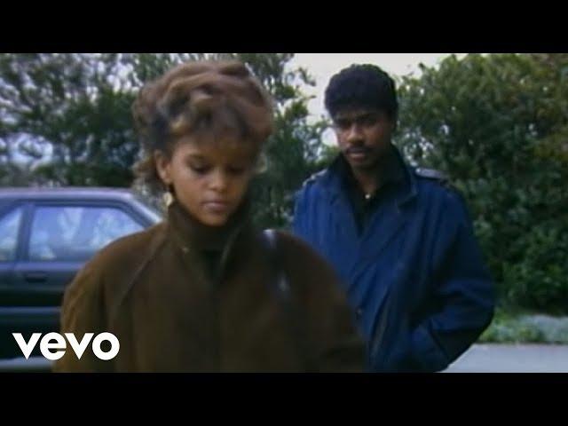 Atlantic Starr - Secret Lovers (Official Video)