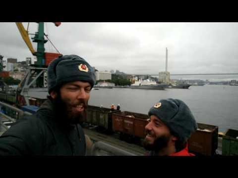 Los Mamuts celebrando la llegada a Vladivostock! Mamuts World Tour.