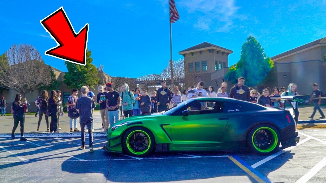 Download Picking Up Little Sister from High School in 1000HP GTR!