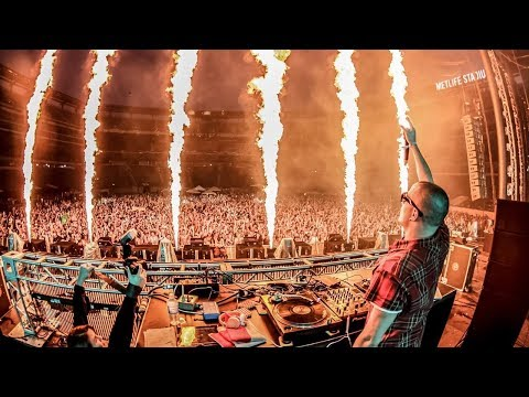 DJ SNAKE - TURN DOWN FOR WHAT, GET LOW LIVE UMF 2018