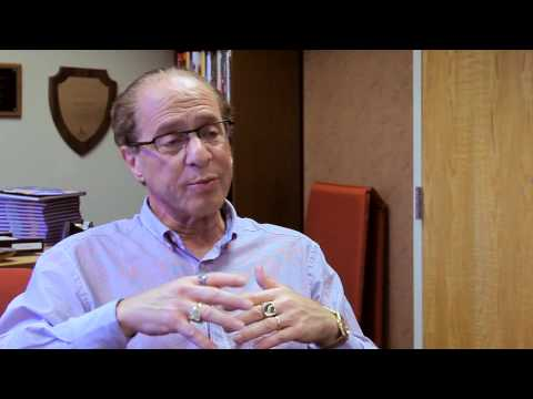 Ray Kurzweil Interview - Kurzweil discusses living forever