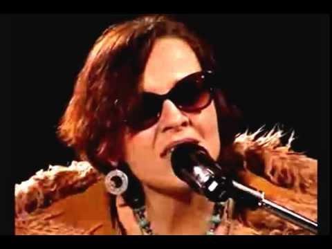 Маша Макарова - Рыбак и рыбка - YouTube: https://www.youtube.com/watch?v=OeCVbpp3dlI