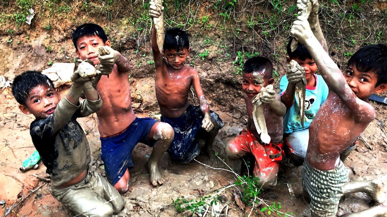 Mr Underhills travels: Kids in Cambodia