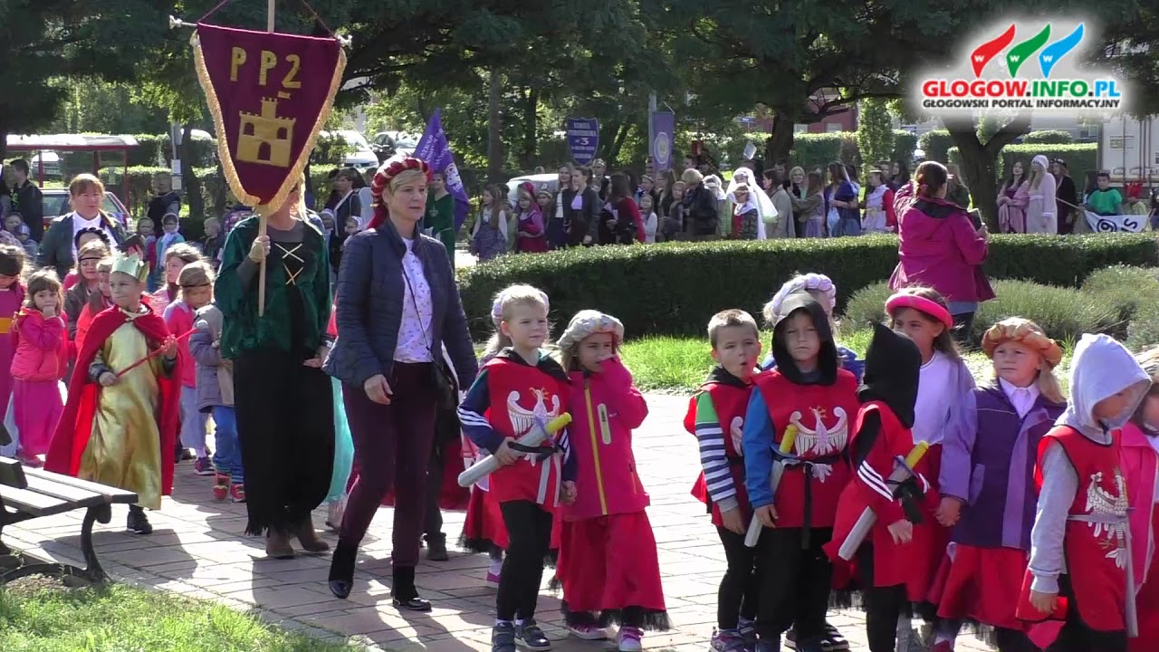 Historyczny Korowód głogowskich uczniów