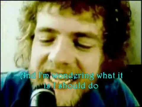 Stealers Wheel ~ Stuck In The Middle With You. with Lyrics
