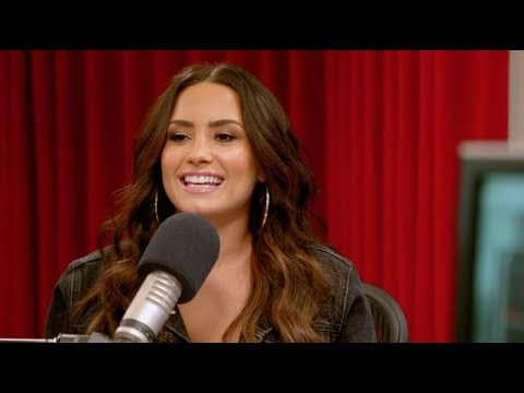Rapid Fire Questions with Demi Lovato | Radio Disney