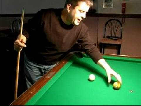 How to Play 8-Ball : Scratching on the Break in Billiards