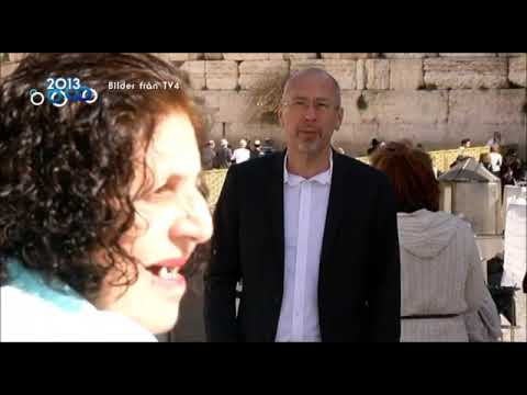 Hertzel (הרצל) Unaware, an old woman walks into live broadcast of Swedish  TV channel